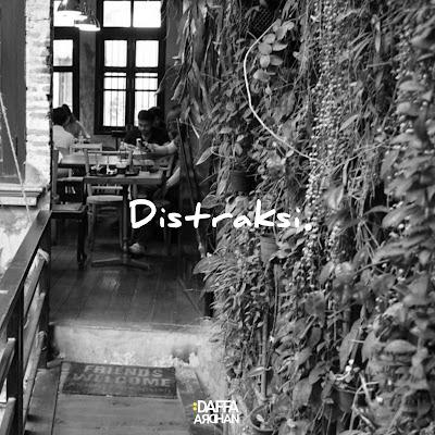 Distraksi