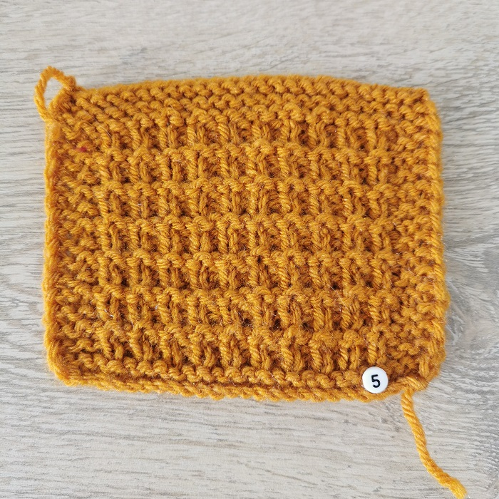 point de claie au tricot, vue de face, par Chat Tricote Par Ici, Hello c'est Marine