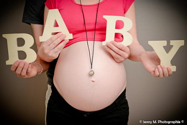 photo bidon grossesse lettres baby