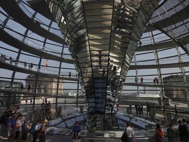 grátis em Berlim - cúpula do Reichtag