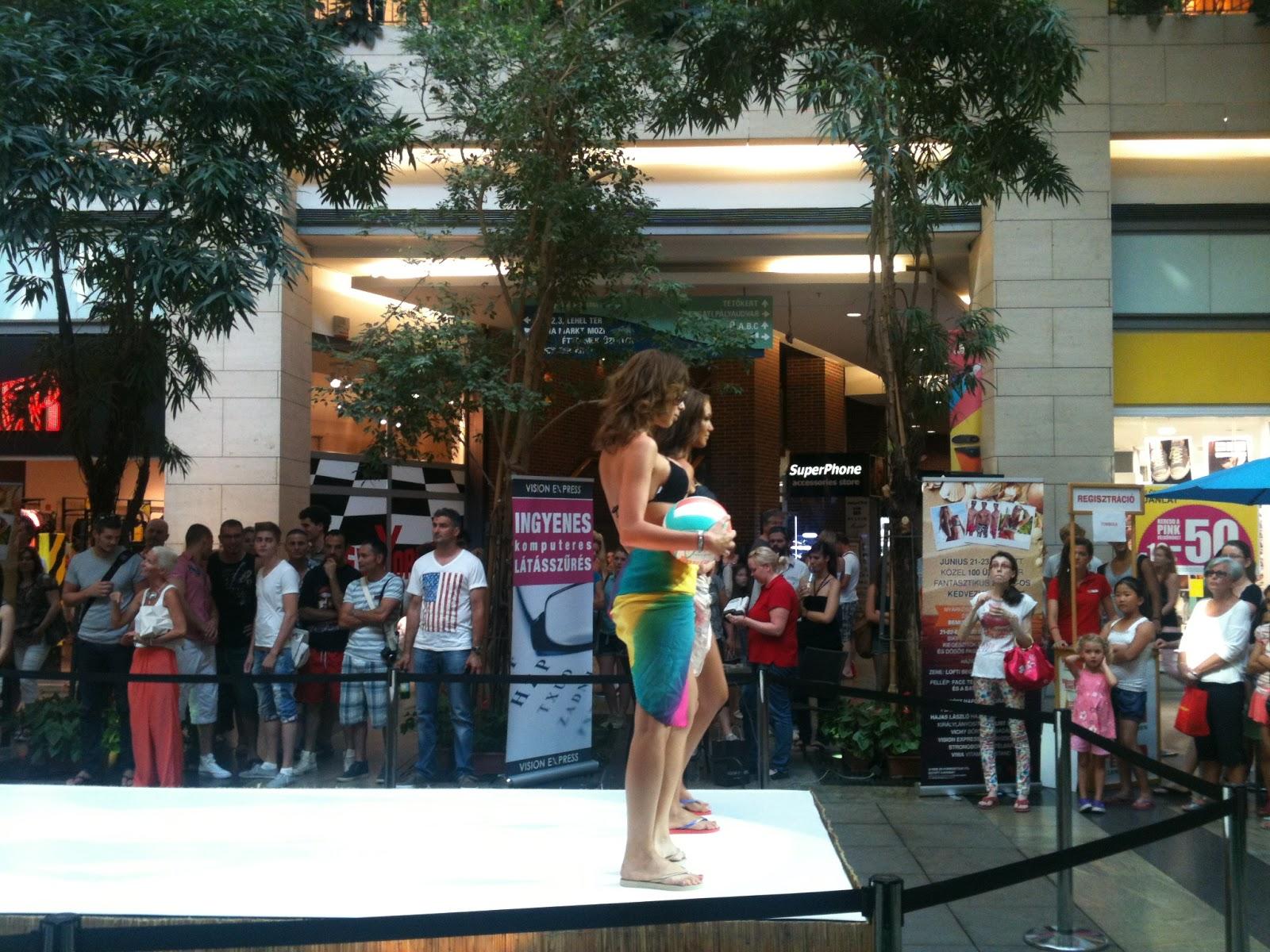 Ha szeretnék további képeket látni a bikini bemutatóról és a rendezvényről ada0adea32