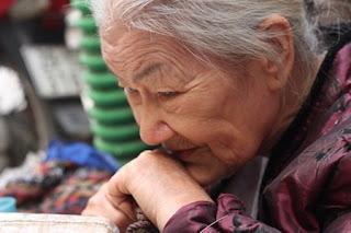 Bơ Vơ Phận Già - Vui Sống với Tuổi Già  Tuoixechieu