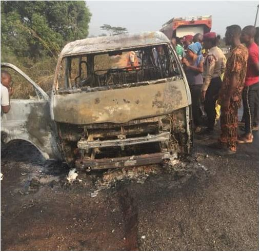 (Graphics Photo) Accident Claims 8 Lives On Lagos-Ibadan Expressway