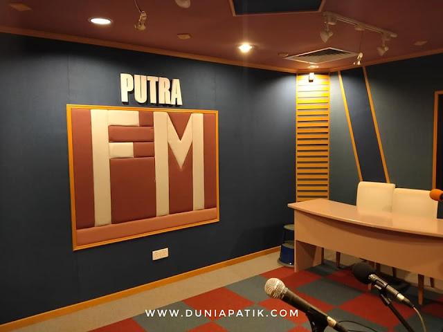 PENGALAMAN MENJADI TETAMU DI RADIO PUTRA FM
