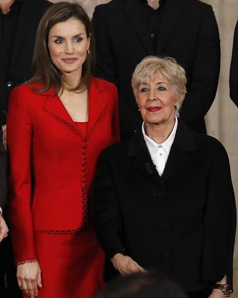 Queen Letizia of Spain attend 'Commemoration Of Cervantes Death' closing ceremony wore Felipe Varela skirtsuit, Carolina Herrera Animal Print Clutch Bag