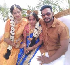 Comedian Chithram Seenu Family Wife Parents children's Marriage Photos
