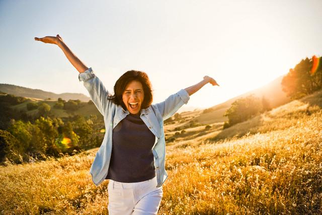 Esta Sou Eu Meu Mundo E Minha Vida O Resto é O Cenário: Mulher Rica: Não Tenha Medo De Ser Feliz! LIBERTE-SE