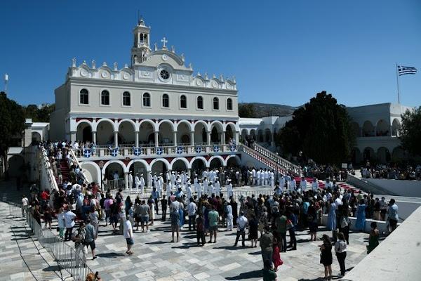 Δεκαπενταύγουστος: Η Ελλάδα γιορτάζει την Κοίμηση της Θεοτόκου