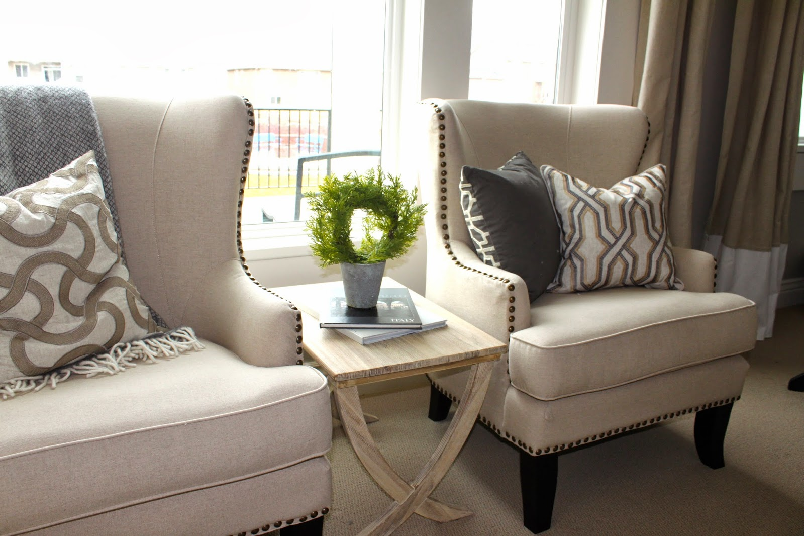 Living Room Easy Chairs
