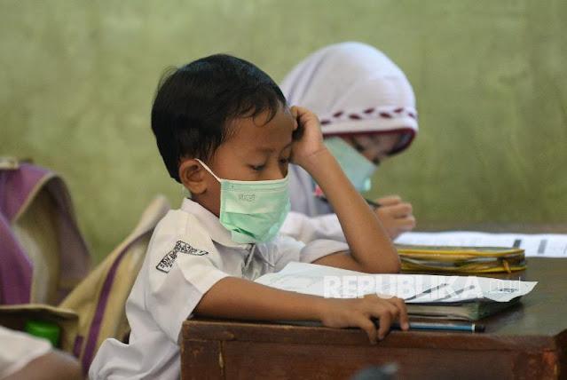 Khawatir, Orang Tua Tidak Rela Anak Masuk Sekolah Saat Corona