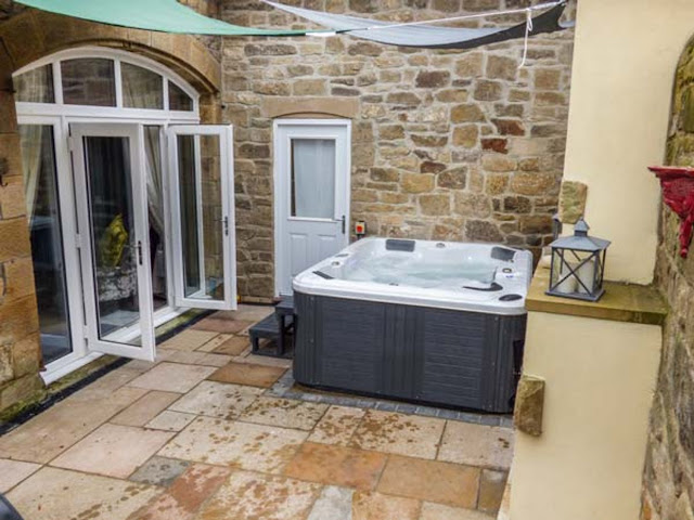 20 lodges with hot tubs within a 2 hour drive of Newcastle Upon Tyne - Escape Hot Tub House