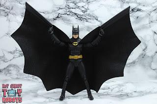 S.H. Figuarts Batman (1989) 11