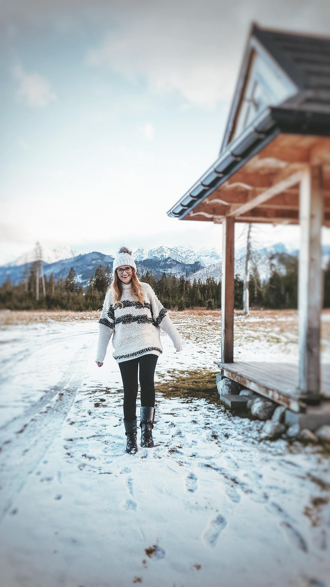 Ciepły zimowy sweter w góry. Jak sie ubrać w góry