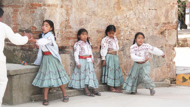 ¡HAGAMOS FAMOSO A ZERAFIN REYES! Indígena de Oaxaca gana demanda a Peña Nieto por no traducir al mixe la reforma de cultura indígena
