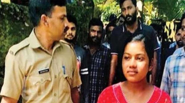 News, Kerala, Kozhikode, Baby, Killed, Mother, Well, Ornaments, Police, Arrested, Woman Arrested for Throwing her One Year Old Son into a Well