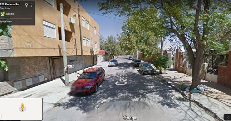 VENDO PROPIEDAD SOBRE CALLE CASEROS, EN CAPITAL, SAN JUAN, ARGENTINA.
