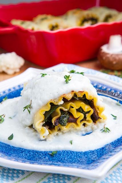 Mushroom Lasaña roll ups en cremosa salsa de Gorgonzola Coliflor