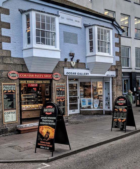 How to spend an evening in St Ives with kids  - cornish pasty shop