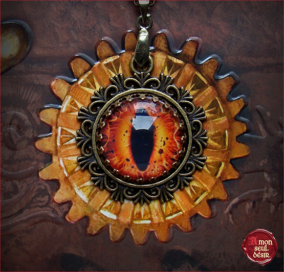 Sauron Eeye necklace pendant Eyes Mordor Orange Dragon Eye Snake Collier oeil de Sauron Serpent Dragon Reptile