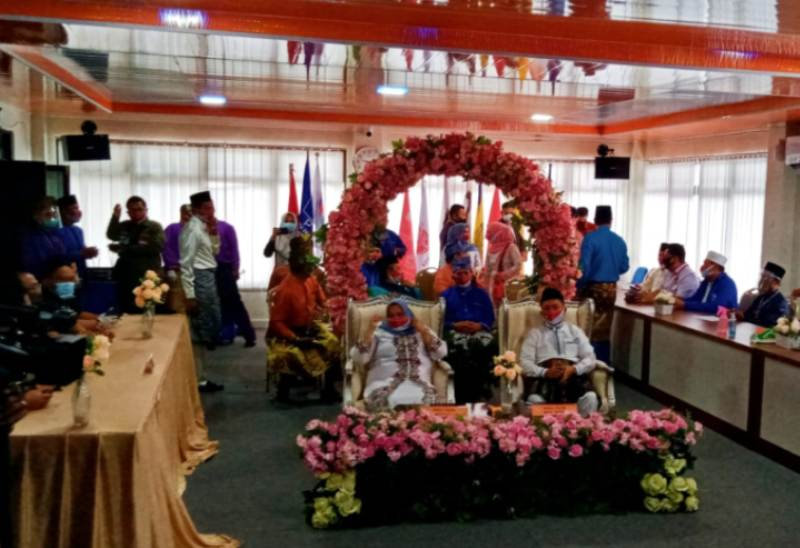 Hari Pertama Pendaftaran, Paslon Bupati dan Wakil Bupati Kasmarni - Bagus Santoso Daftar Ke KPU Bengkalis