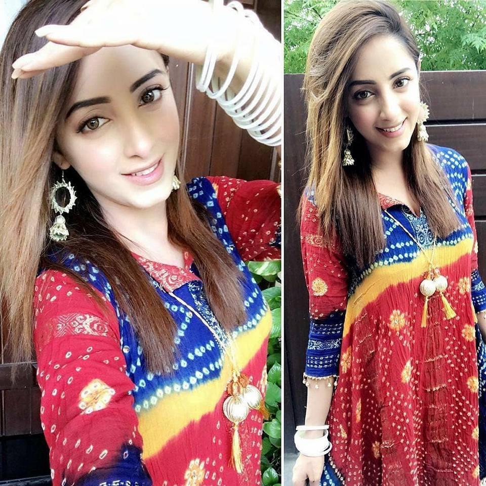 Fashion Freak: Sanam Chaudhry pics