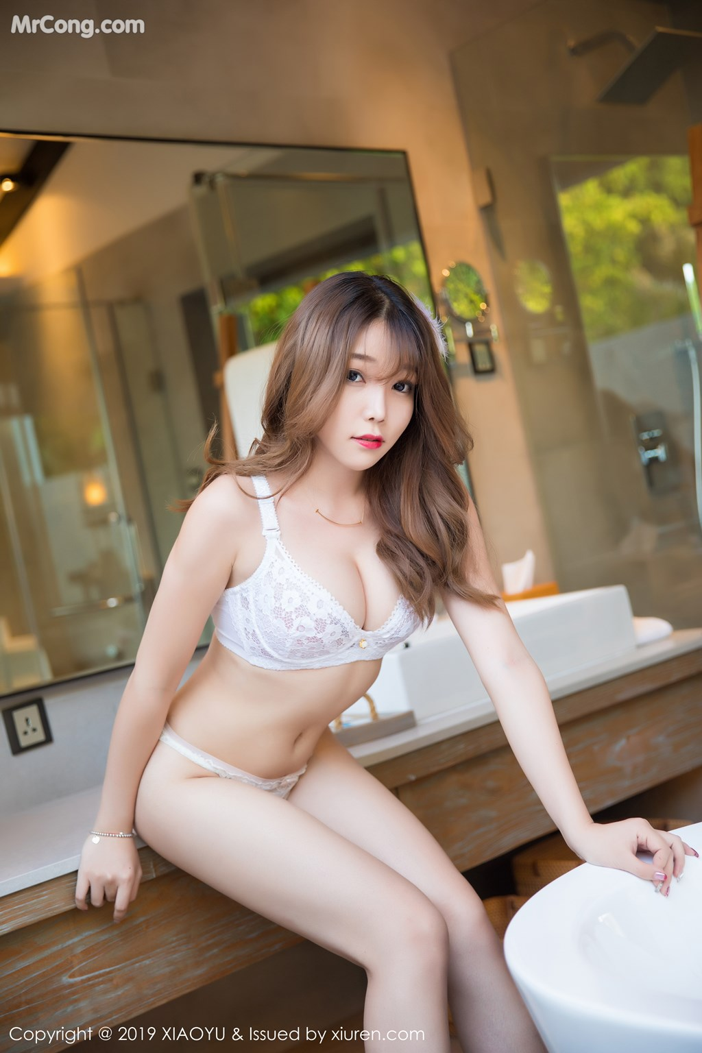 XiaoYu Vol.122: Booty (芝芝) (42P)