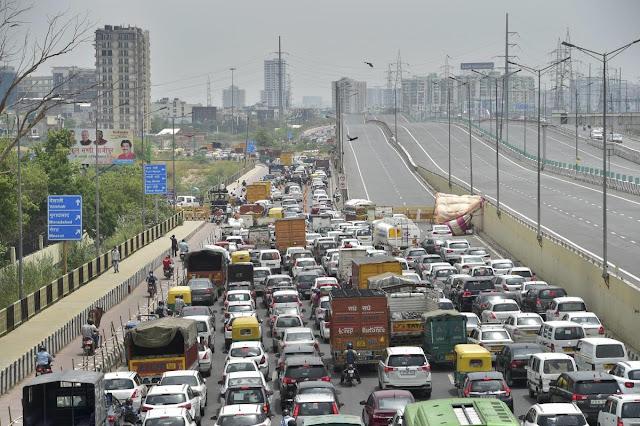 दिल्ली में लॉकडाउन-5 के तहत दी गई रियायतों के बावजूद, नोएडा और गाजियाबाद का बॉर्डर सील