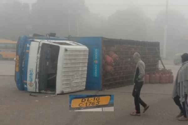 faridabad-news-hp-gas-truck-accident-bypass-road-17-january