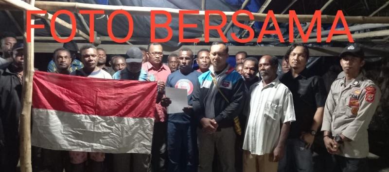 BREAKING NEWS! Alex Hamberi Pentolan Teroris KKB Papua & Anak Buahnya Serahkan Diri