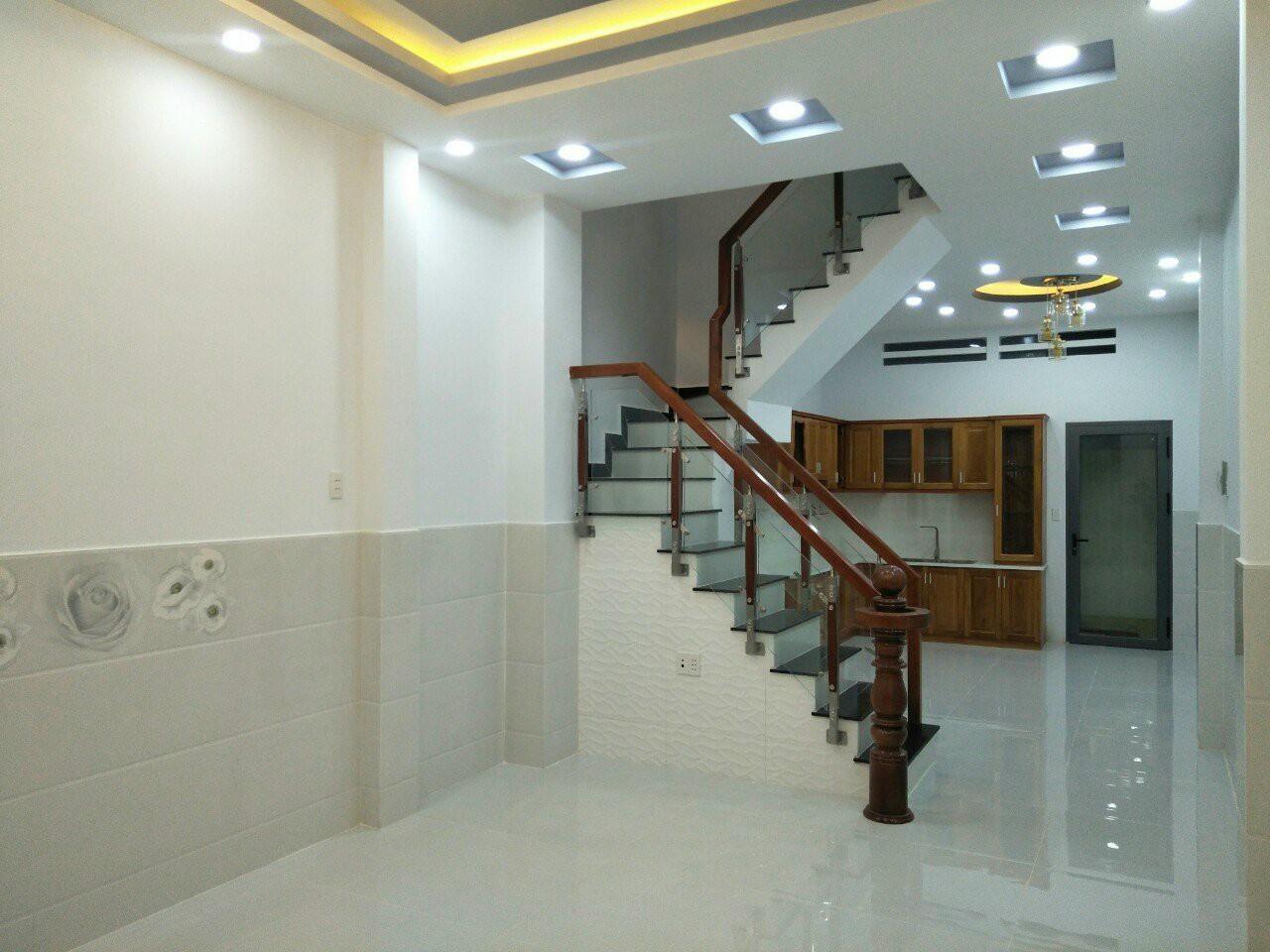 Bán nhà Dương Bá Trạc Quận 8 mới xây rất đẹp, 1 trệt 2 lầu sân thượng