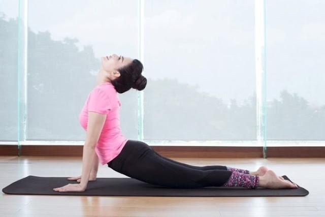 Chúng ta nên bắt đầu từ những bài tập yoga cơ bản.
