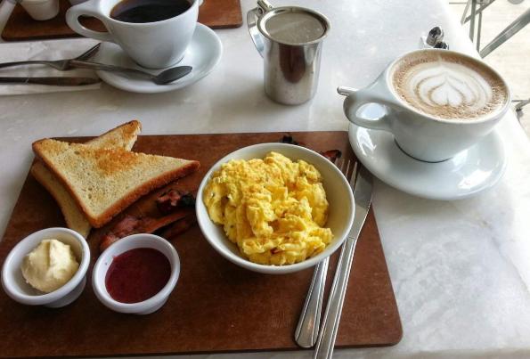 3 Manfaat Jika Anda Teratur Sarapan Pagi