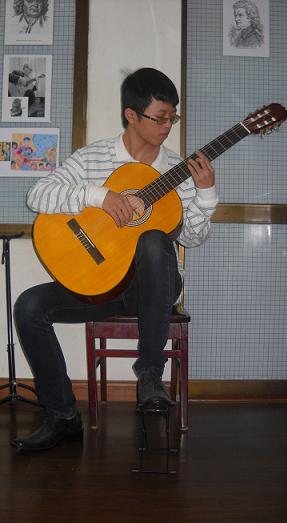 Các tư thế hoàn hảo để chơi đàn guitar