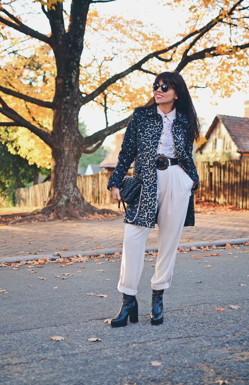 Outfit with mixed animal prints