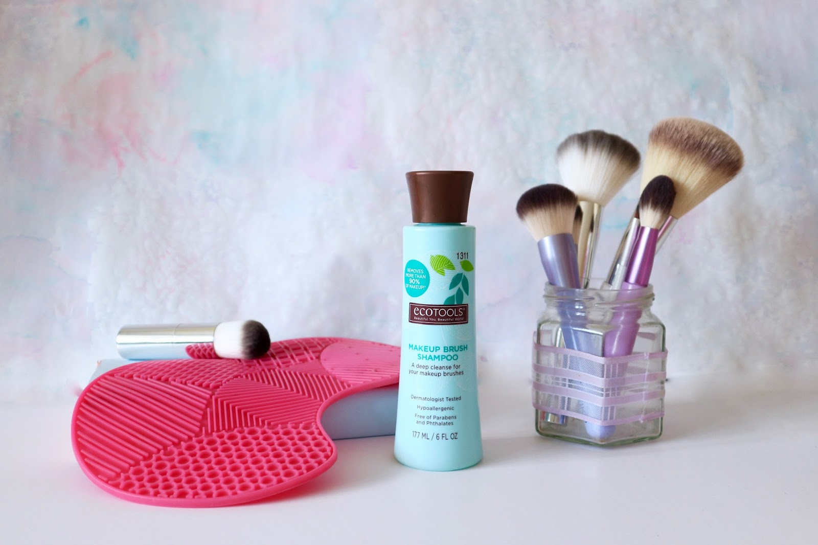 Beauty Chore // Cleaning Makeup Brushes | Naturally Diddy