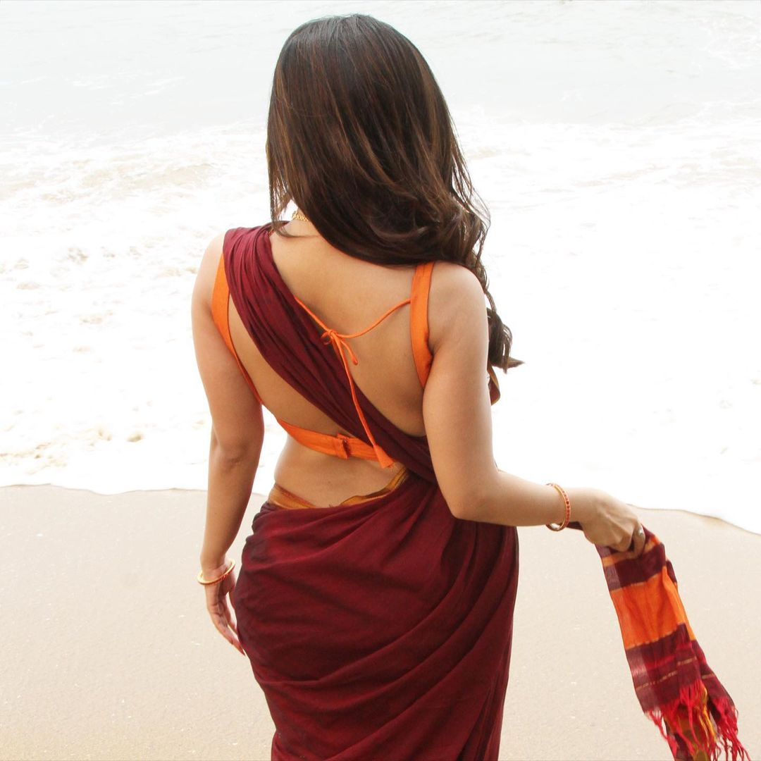 Actress Iswarya Menon Saree Photos