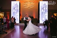 casamento projeto organização e cerimonial de life eventos especiais realizado na lalux casa de eventos em canoas com decoração moderna contemporanea preto e amarelo