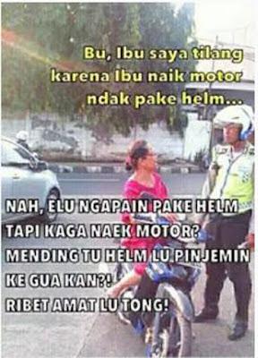 Bisa apa polisi kalau ketemu emak-emak? Kalau ditegasi malah jadi galak
