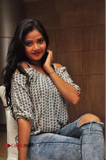 Telugu Actress Dancer Sreya Vyaas Latest Pictures in Ripped Jeans  0039.JPG