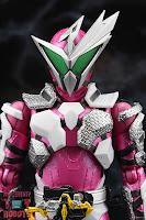 S.H. Figuarts Kamen Rider Jin Flying Falcon 04