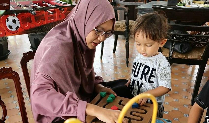 Pentingnya Stimulasi dan Sentuhan Kasih Sayang untuk Perkembangan Anak Usia Dini