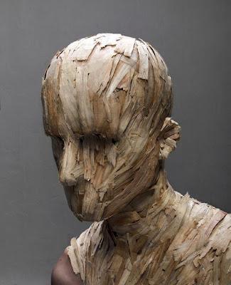 Arte contemporaneo con cabeza literalmente.