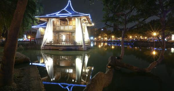 台中公園(中山公園),百年湖心亭