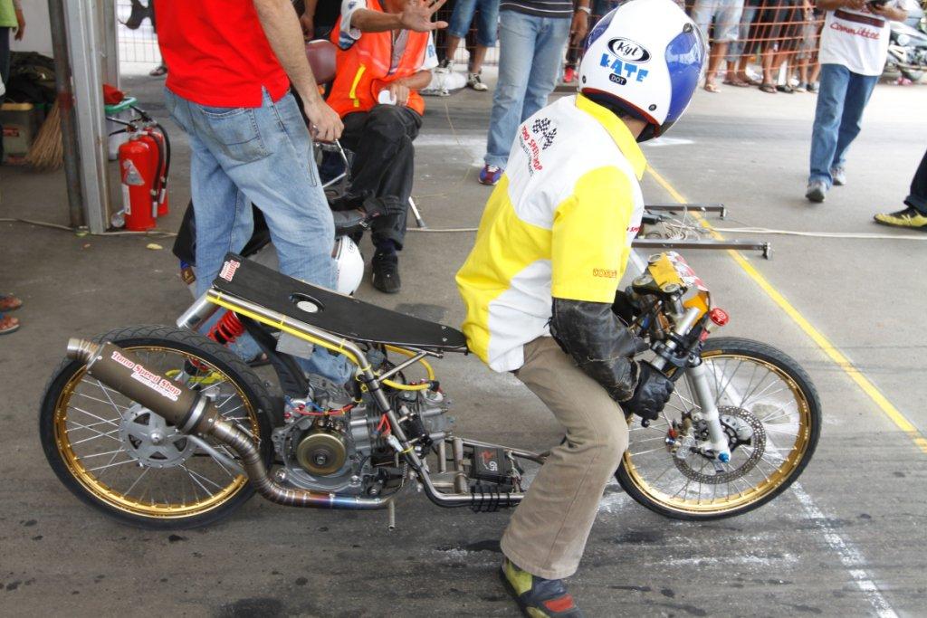Foto gambar motor drag race  Uc1nBlog