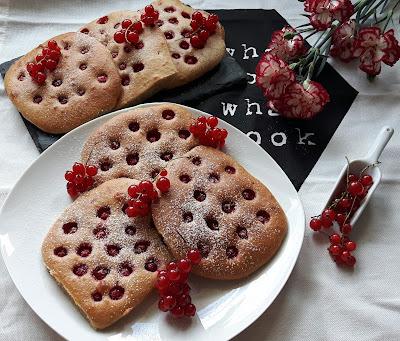 PEŁNOZIARNISTE PLACUSZKI Z PORZECZKĄ (z piekarnika)
