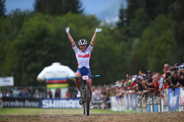 Evie Richards é nova campeã mundial de MTB XCO - Foto: Val di Sole Bike Land