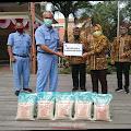 PT Ajinomoto Indonesia Berikan Bantuan 5 Ton Beras untuk Warga Kota Mojokerto