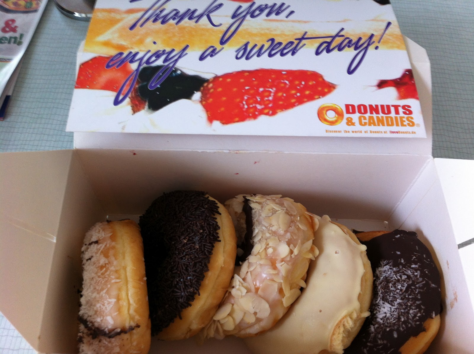 singaporeans in germany club sgc food blog in search of dunkin 39 donuts in munich. Black Bedroom Furniture Sets. Home Design Ideas