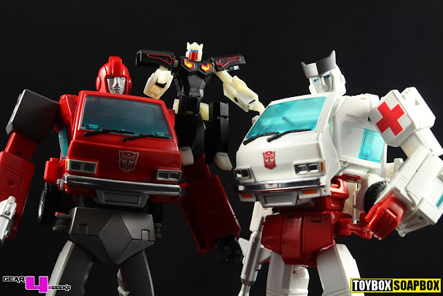 nonnef Ironhide & Ratchet Hip Kibble Fix