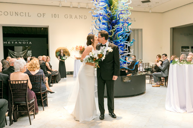 wedding ceremony at orlando museum or art chihuly